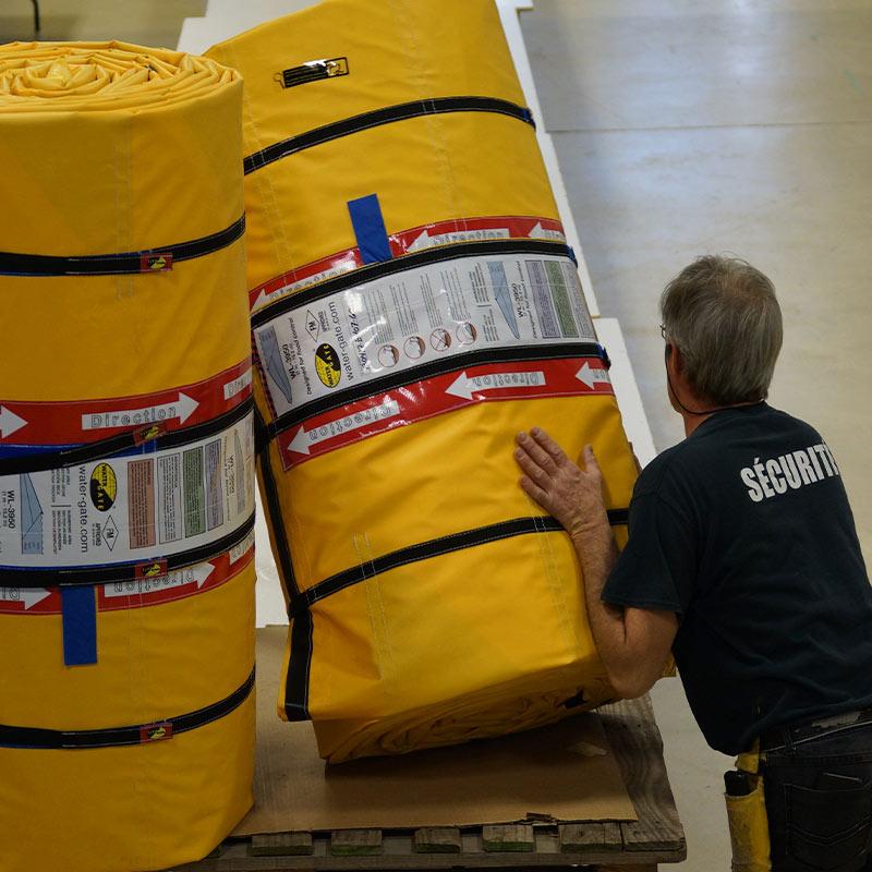 Barrières anti-inondation Water-Gate© WL-3950 conditionnées en rouleaux